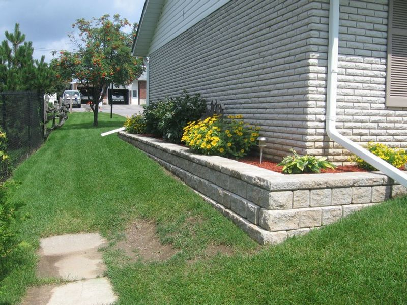 Stoeckle landscape design peterborough ontario for Landscape design ontario
